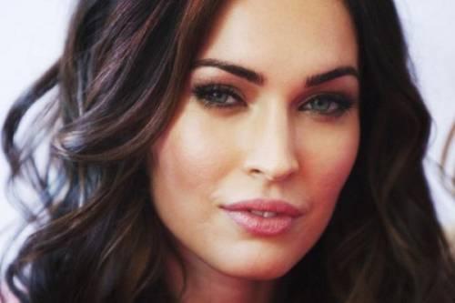 Megan Fox, mamma sexy: foto