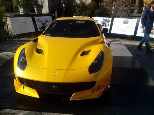 Ferrari, ecco  la nuova F12tdf 8