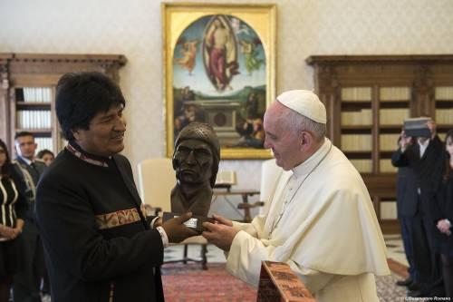 """Bergoglio (ancora) con Morales, """"ma non con i cardinali dissidenti"""""""