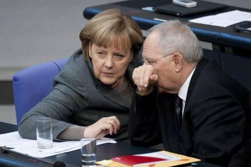 """Migranti, il piano tedesco: """"Tassare la benzina nell'Ue"""""""