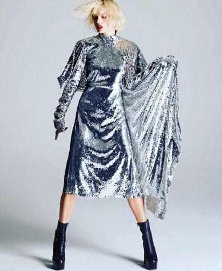 Taylor Swift biondo platino: foto 3