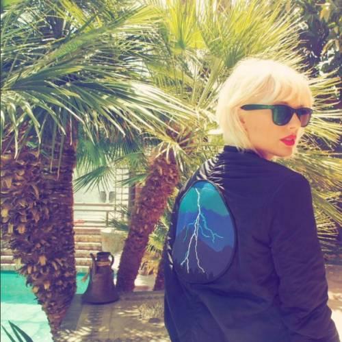 Taylor Swift biondo platino: foto 6