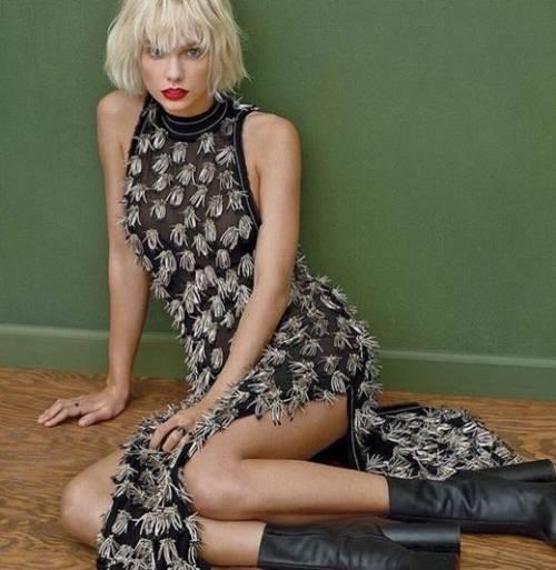 Taylor Swift biondo platino: foto 4