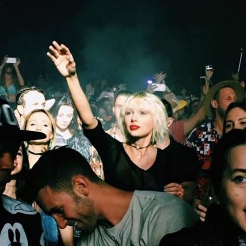 Taylor Swift biondo platino: foto 5