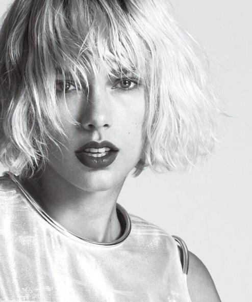 Taylor Swift biondo platino: foto 7