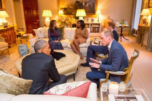 """William e Kate coprono la tela col """"servo negro"""" per non offendere gli Obama"""