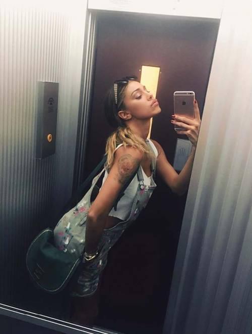 Belen Rodriguez hot su Instagram, foto 16