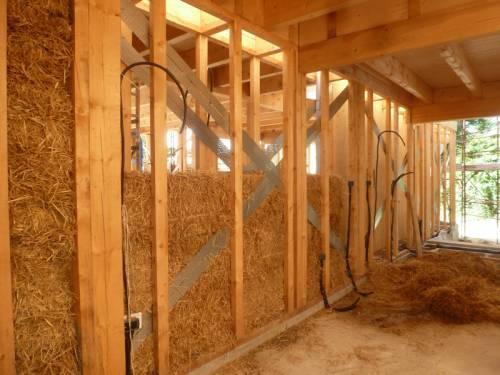 Le case del futuro classe a in paglia e legno for Piani di garage di balle di paglia