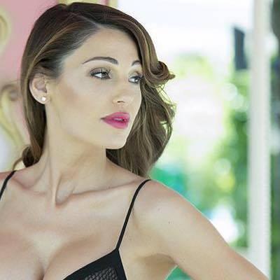 Anna Tatangelo, sexy sui social: foto 12