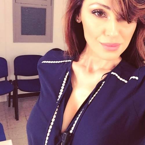Anna Tatangelo, sexy sui social: foto 15