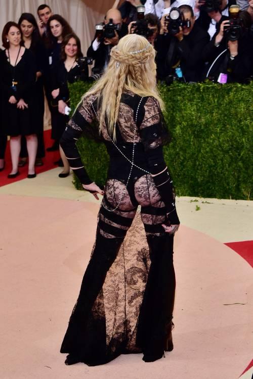 Madonna al Met Gala 2016 7