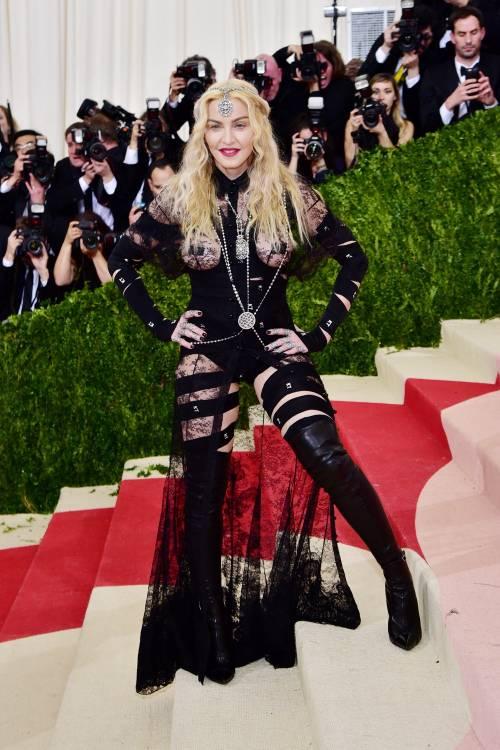 Madonna al Met Gala 2016 10