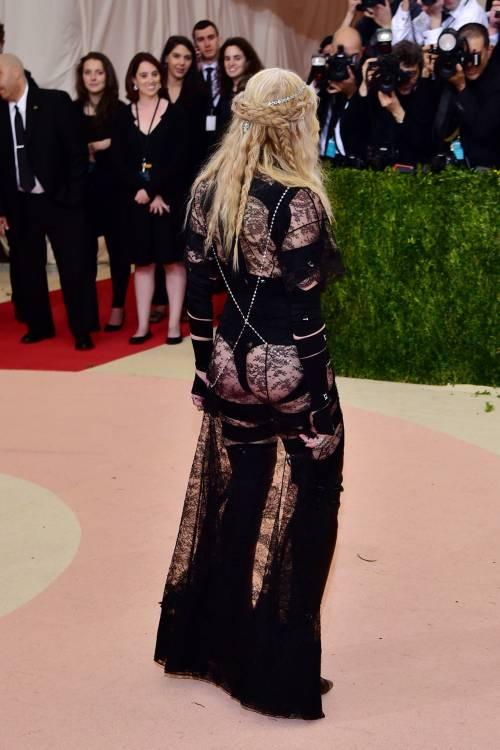 Madonna al Met Gala 2016 12