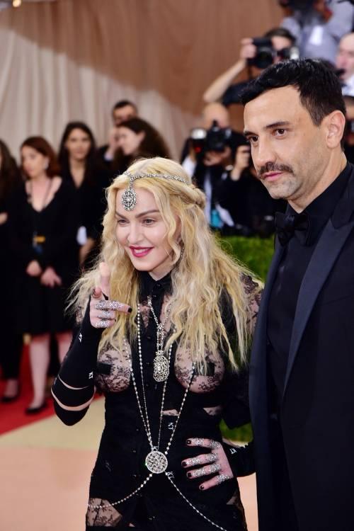 Madonna al Met Gala 2016 11