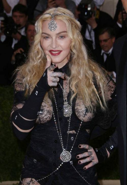 Madonna al Met Gala 2016 15