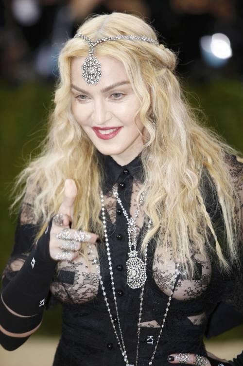 Madonna al Met Gala 2016 19