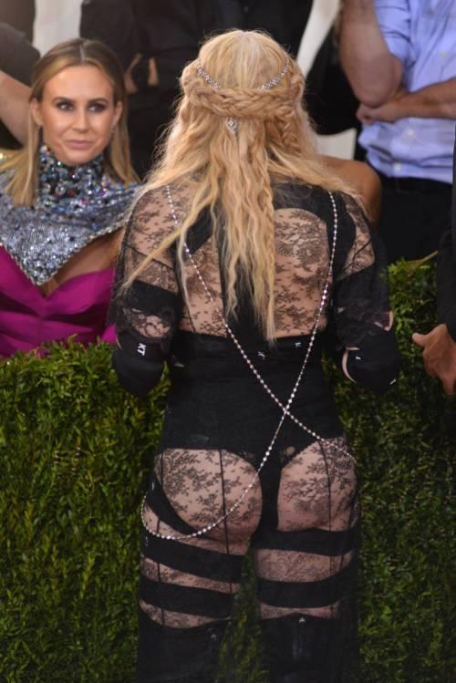 Madonna al Met Gala 2016 22
