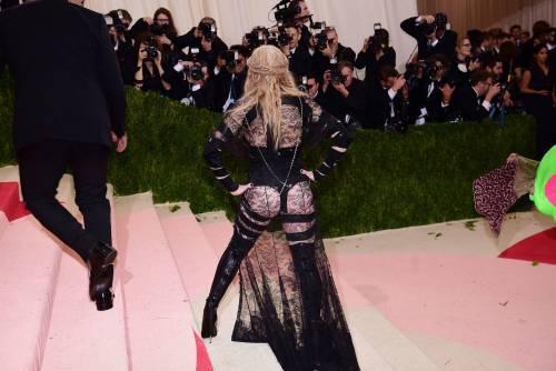 Madonna al Met Gala 2016 23