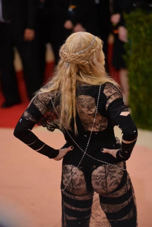 Madonna al Met Gala 2016 25