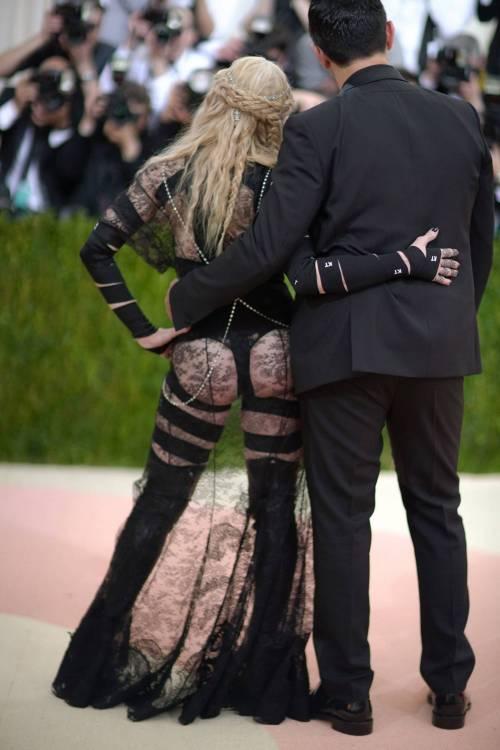 Madonna al Met Gala 2016 24