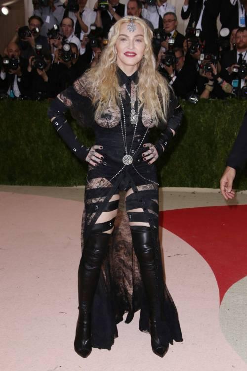Madonna al Met Gala 2016 26