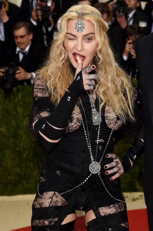 Madonna al Met Gala 2016 27
