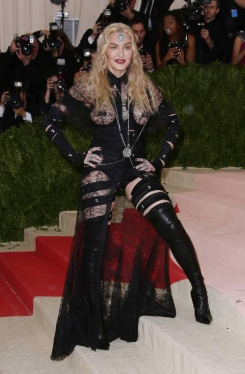 Madonna al Met Gala 2016 28