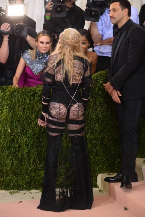 Madonna al Met Gala 2016 31