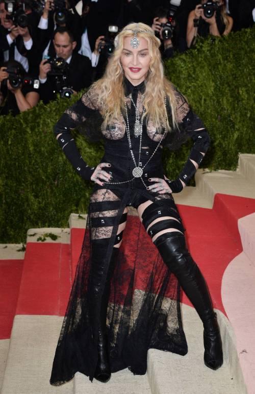 Madonna al Met Gala 2016 35