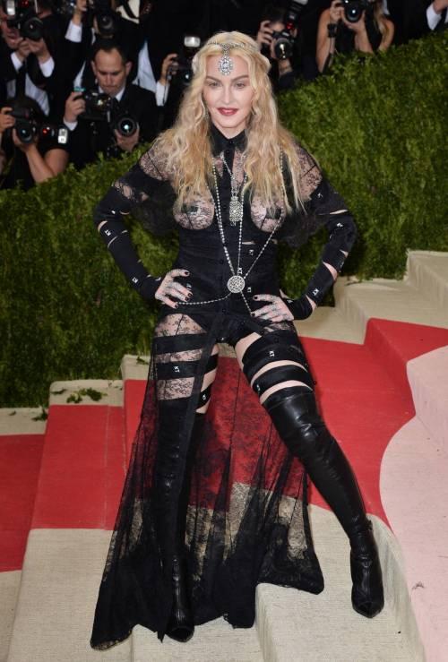Madonna al Met Gala 2016 33