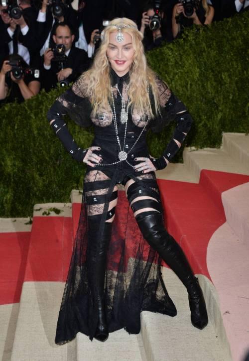 Madonna al Met Gala 2016 21