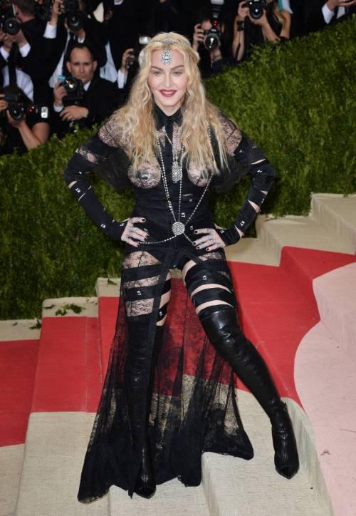 Madonna al Met Gala 2016 42