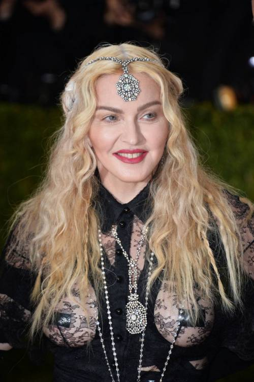 Madonna al Met Gala 2016 43