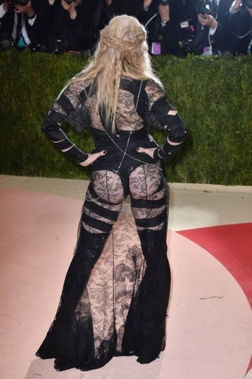 Madonna al Met Gala 2016 44