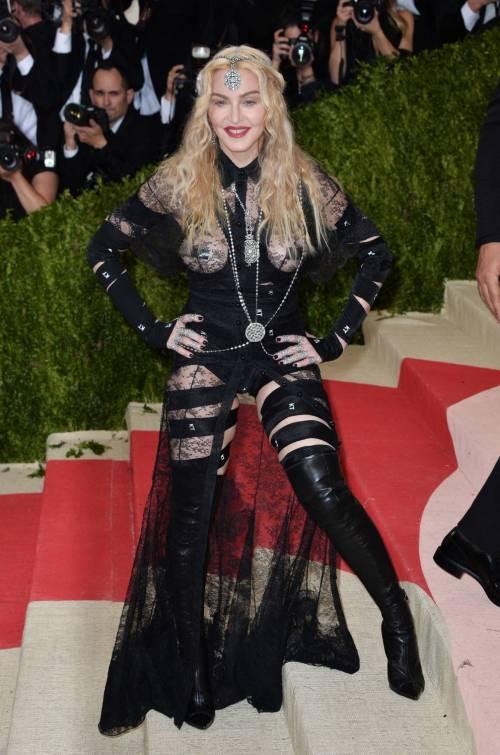 Madonna al Met Gala 2016 45