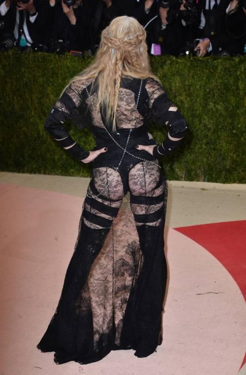 Madonna al Met Gala 2016 47