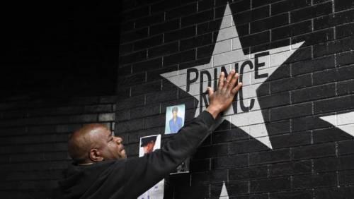 Prince, record di vendite e album in vinile in arrivo 5