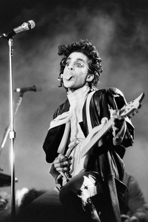 Prince, record di vendite e album in vinile in arrivo 4