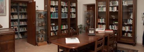 """Il sindaco del Pd ora """"sfratta"""" la Biblioteca (liberale)"""