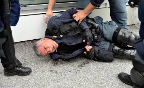 Scontri al Brennero tra black bloc e polizia 7
