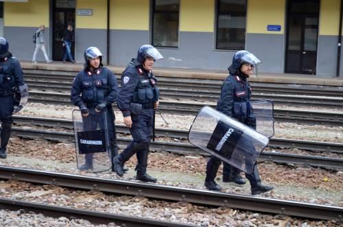 Scontri al Brennero tra black bloc e polizia 11