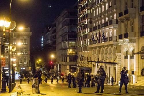 Grecia, scontri davanti al parlamento 2