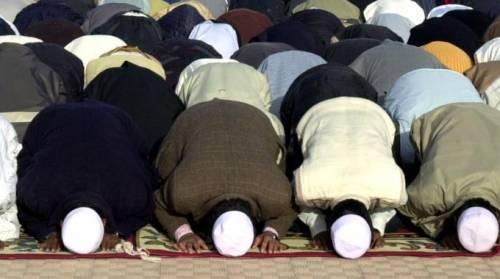 La Germania regala terra agli islamici per costruire moschee