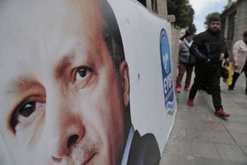 Un poster di Erdoğan affisso a Istanbul