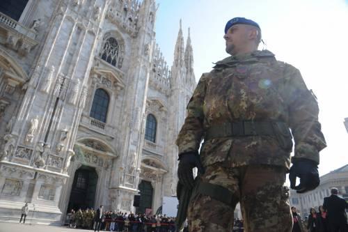 Tra Duomo e Brera, centro ostaggio degli abusivi