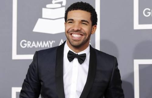 Drake si traveste dall'attore porno Ron Jeremy