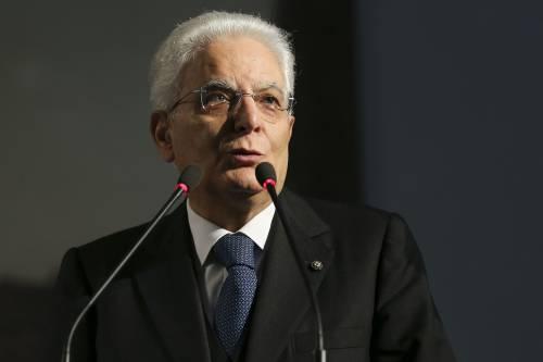 Il silenzio operoso di Mattarella per convincere Renzi a restare