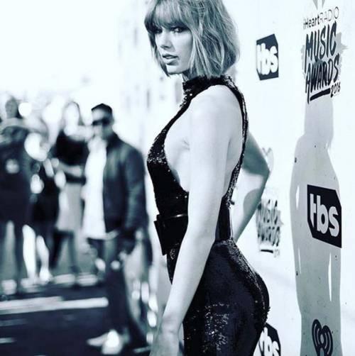 Demi Lovato e Taylor Swift su Instagram, foto 23