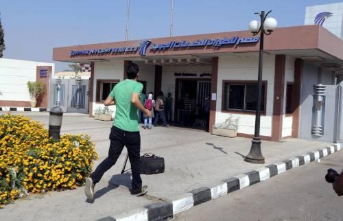 Egyptair, la disperazione dei parenti delle vittime 15