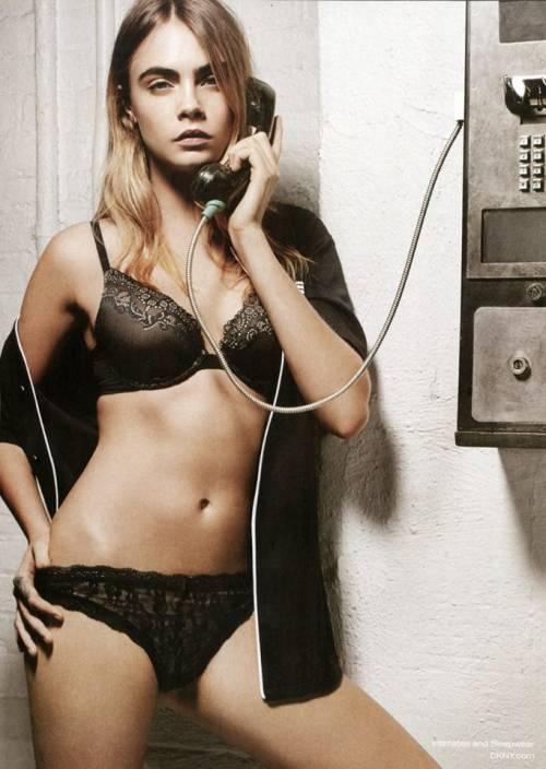 Risultati immagini per Cara Delevingne nuda